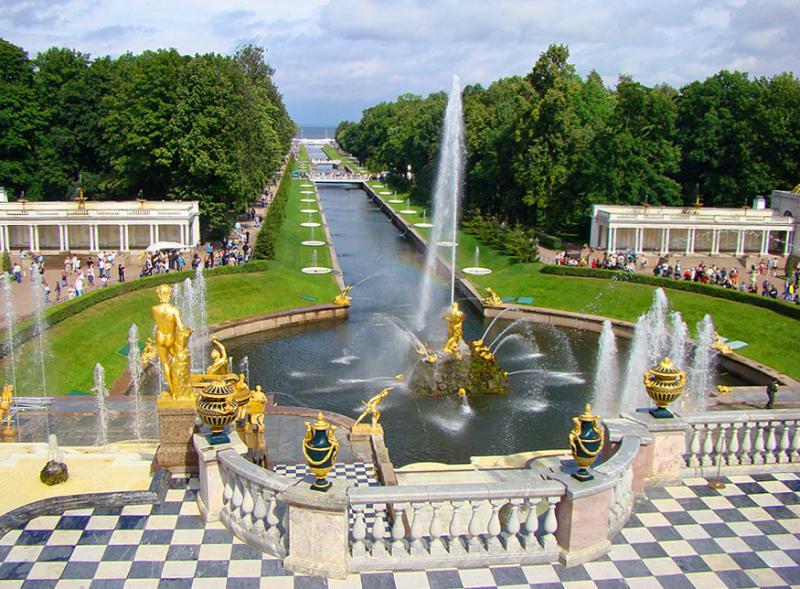В Санкт-Петербурге начинается сезон работы фонтанов | Путешествия, приключения и туризм